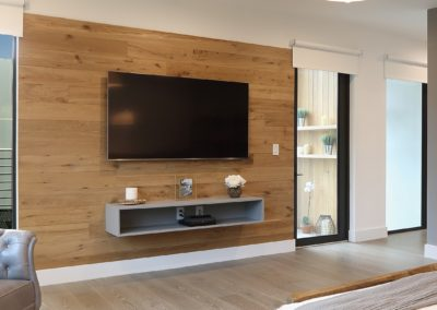 white oak reclaimed wood paneling in modern home